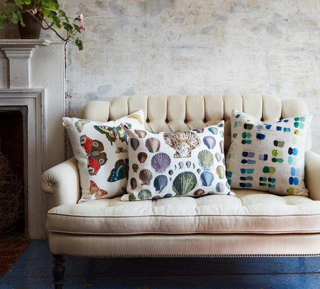 John Derian también vende objetos para el hogar como cojines, bolsas...