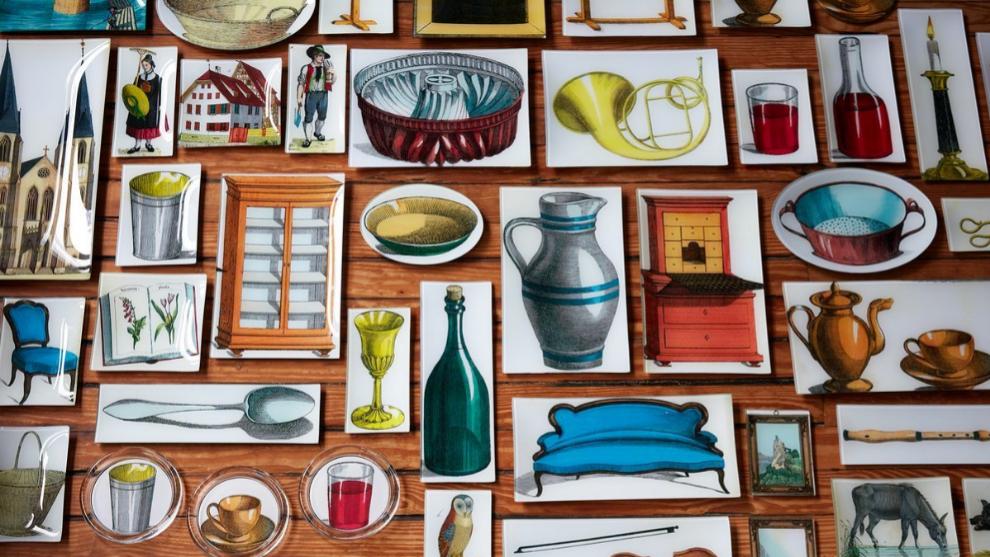 Bandejas, pisapapeles, láminas... todo tipo de objetos decorativos se...