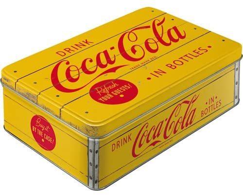Lata de Coca-Cola. 7, 50 euros. Nostalgic-Art. De venta en Amazon.