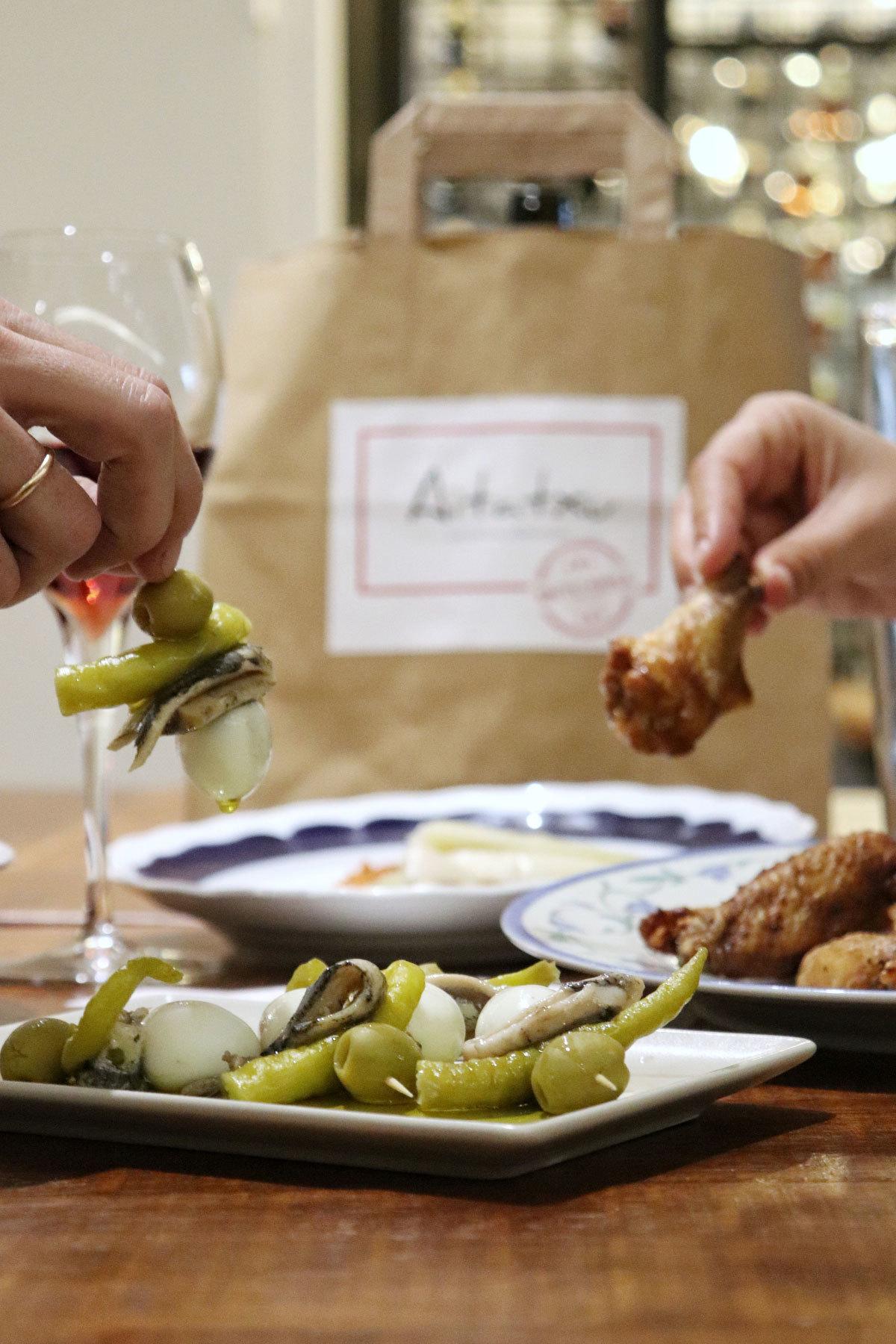 En Aitatxu te mandan los platos al vacío para que los termines en casa.