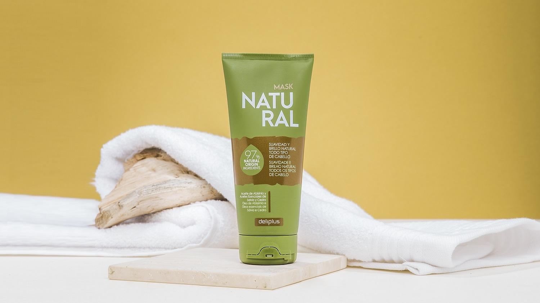 La mascarilla Natural de Deliplus cuenta con ingredientes naturales...