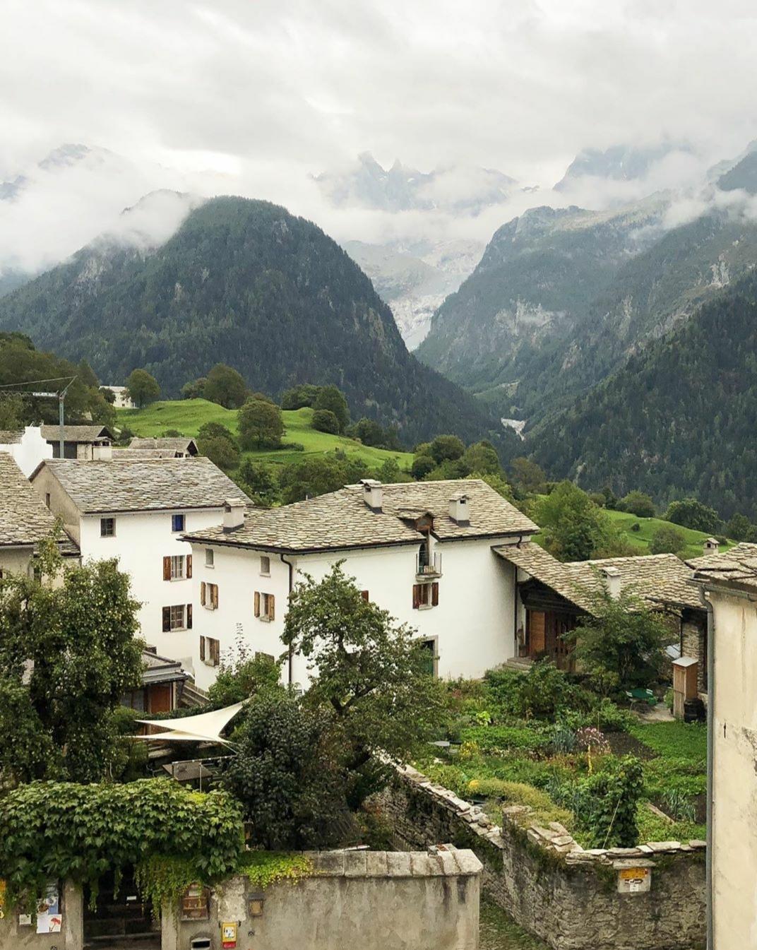 Los valles de Suiza son lugares tranquilos y llenos de actividades, perfectos para una luna de miel a la europea. @amy_merrick