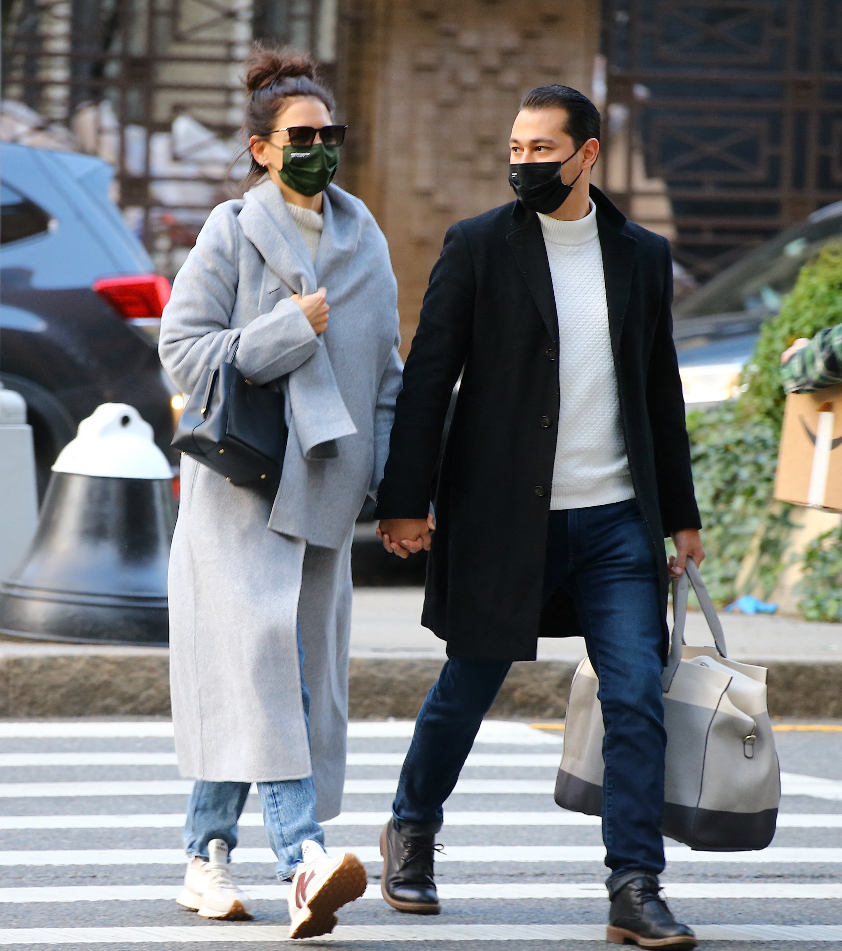 Katie Holmes con su novio Emilio Vitolo Jr por las calles de Nueva...