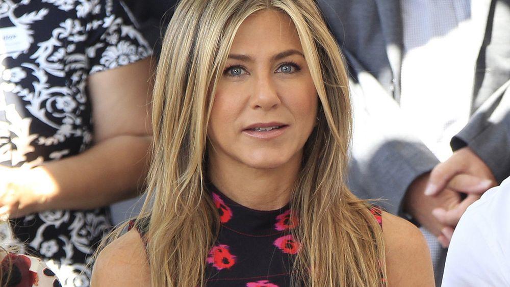 Jennifer Aniston siempre ha lucido pelazo y uno de sus secretos para...
