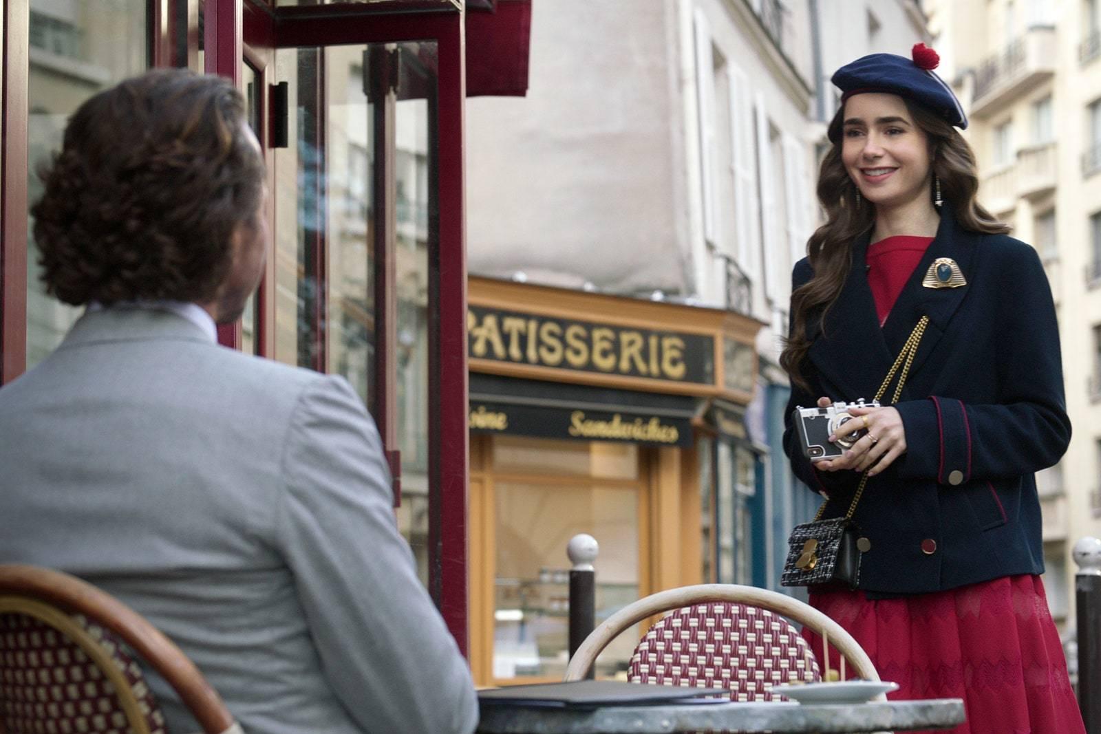 Fotograma de Emily in Paris.