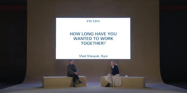 Raf Simons y Miuccia Prada en conversación después de presentar su desfile conjunto para Prada.