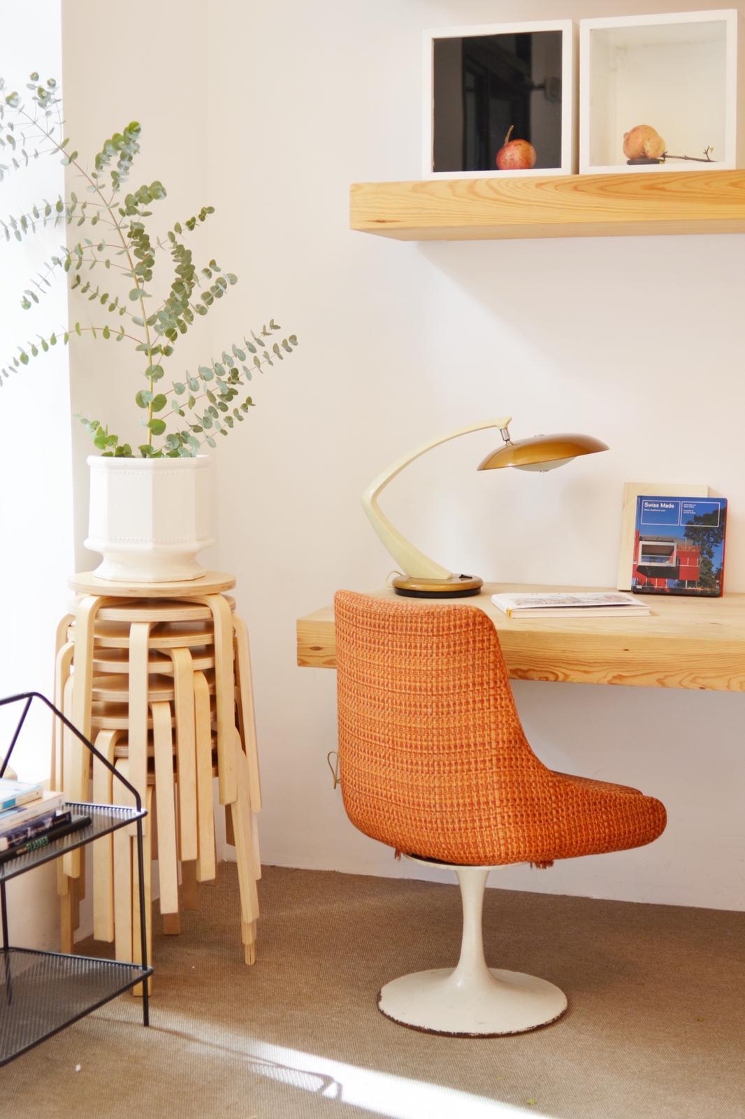 Si estás poniendo una oficina, te vendrán muy bien estas sillas y...