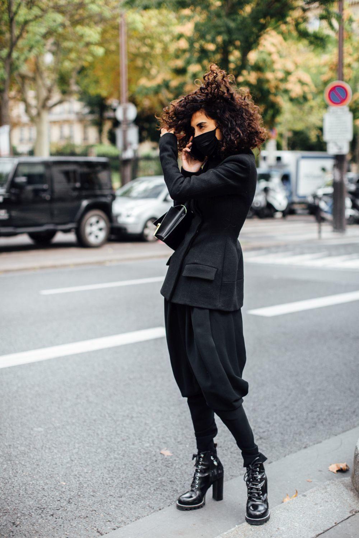 Una invitada a los desfiles de París.