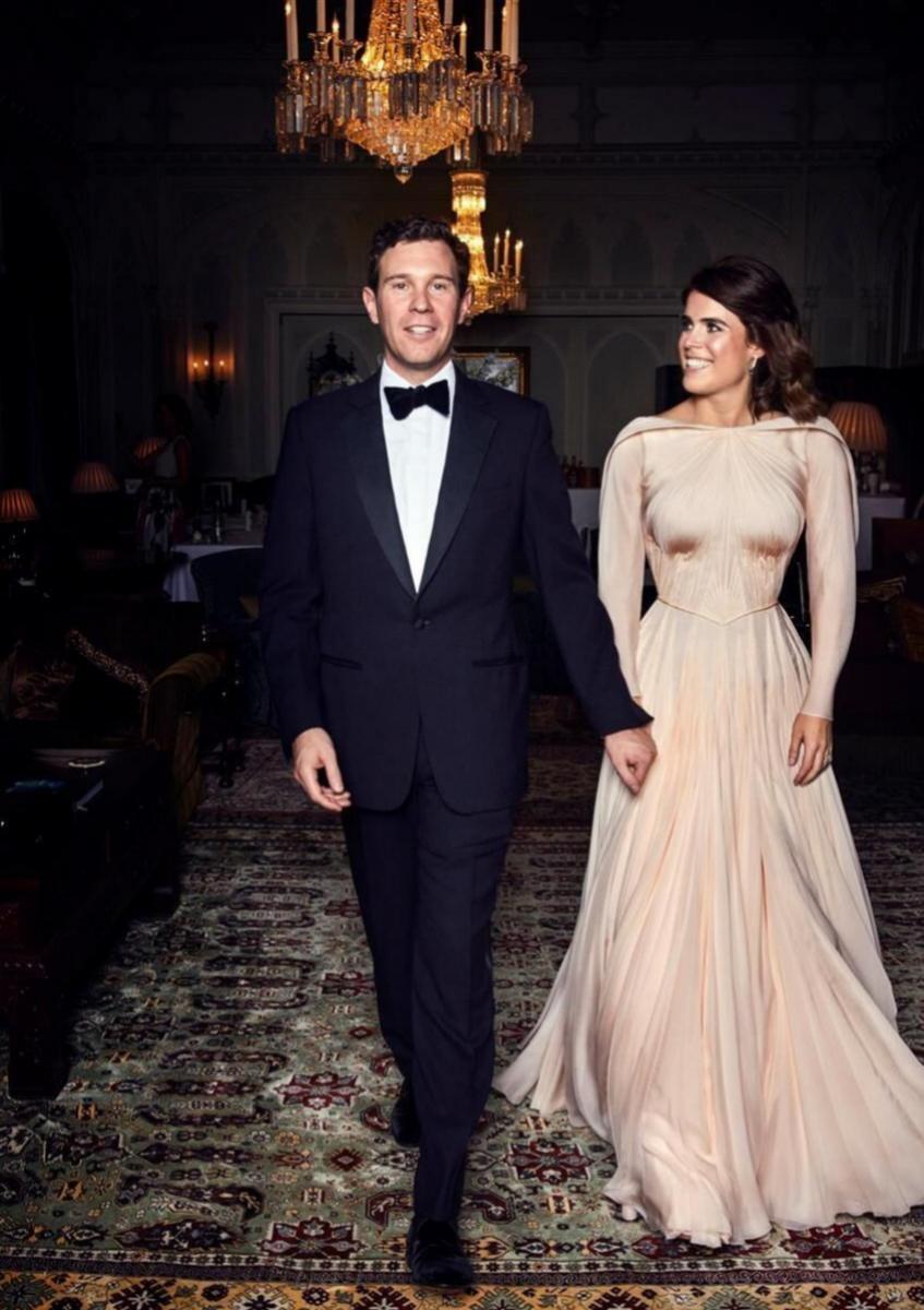 Eugenia de York el día de su boda con el vestido de Zac Posen.