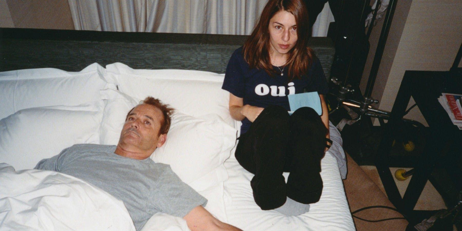"""Sofia Coppola y Bill Murray en el set de rodaje de """"Lost in translation"""" (2002)."""