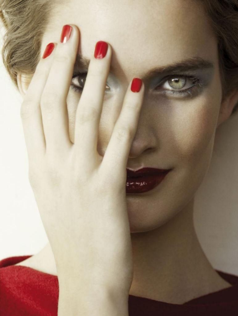 Tu alimentación influye en la salud de tus uñas, no olvides las vitaminas y minerales.