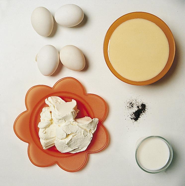 Ingredientes del flan de queso.