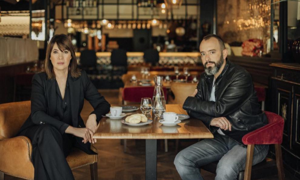 La directora Mabel Lozano y el inspector de Policía Pablo J....