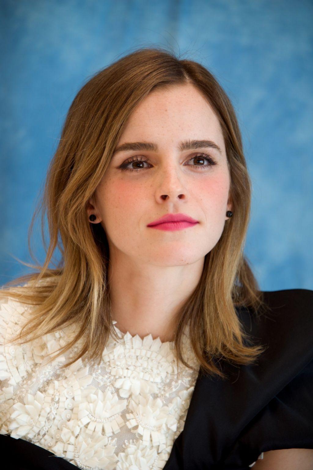 Emma Watson es fan de los productos RMS Beauty.