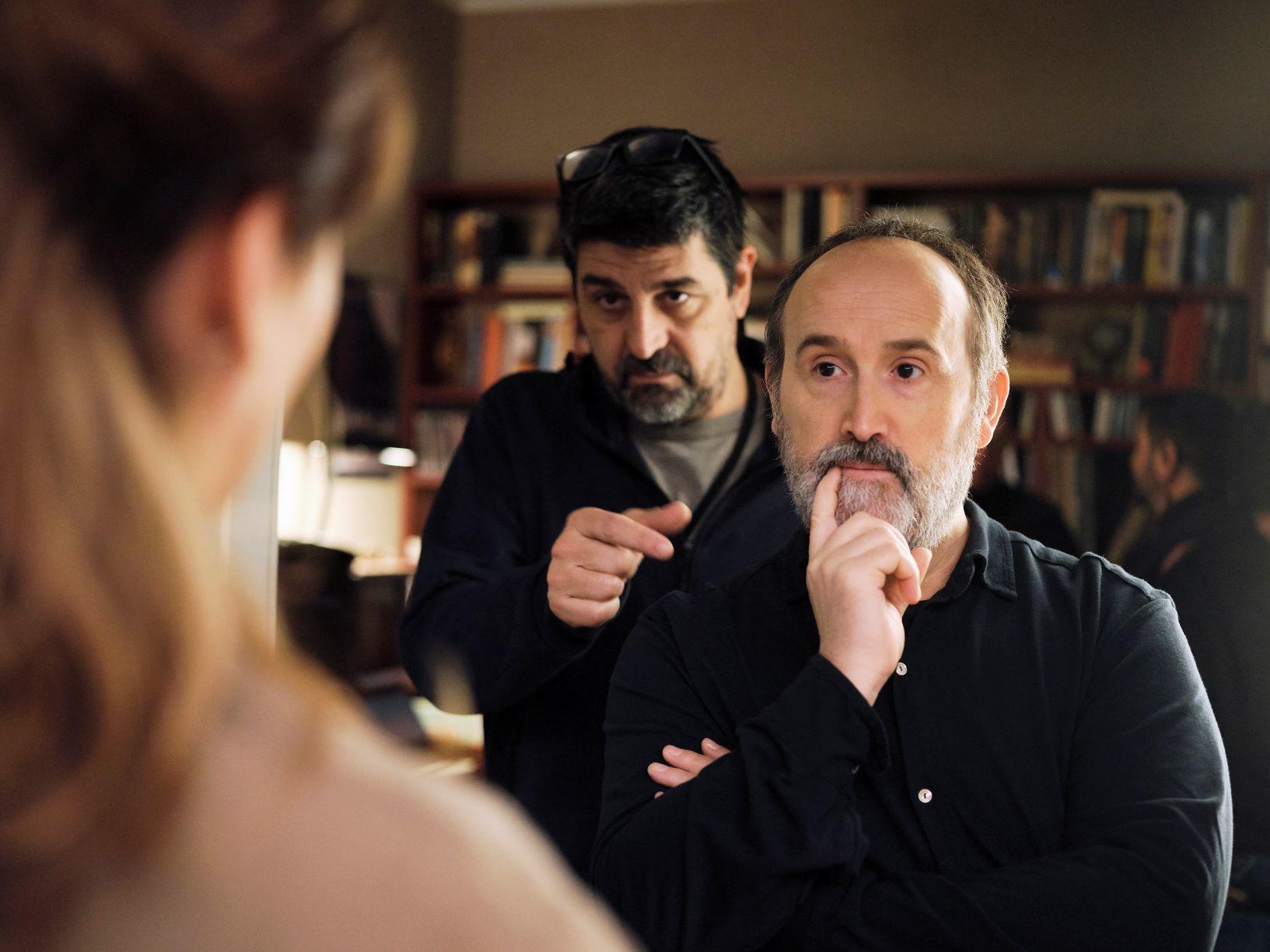 Javier Cámara con Cesc Gay en el rodaje.