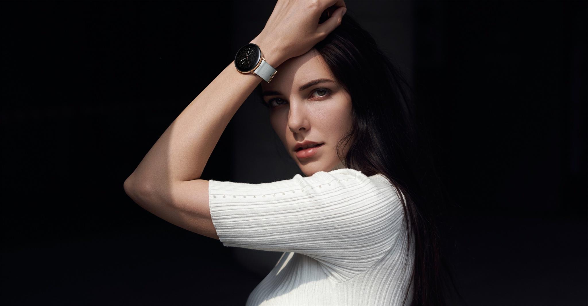 El nuevo reloj Zepp E combina diseño y practicidad con la última tecnología e inteligencia artificial.
