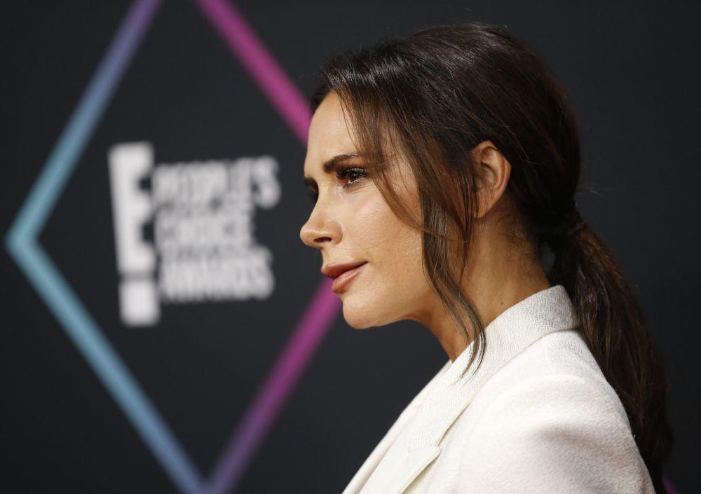 Victoria Beckham presume de una piel impecable con y sin maquillaje.