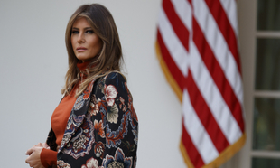 Melania Trump ha hecho del abrigo su prenda fetiche. Se atreve con...