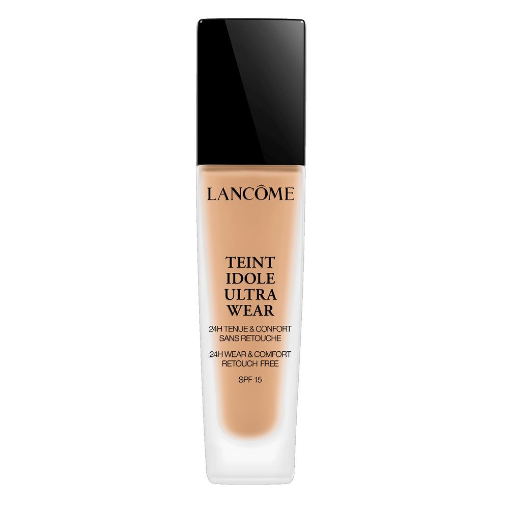 Base de maquillaje Teint Idole Ultra Wear de Lancôme (42 euros), una fórmula fluida que dura hasta 24 horas.
