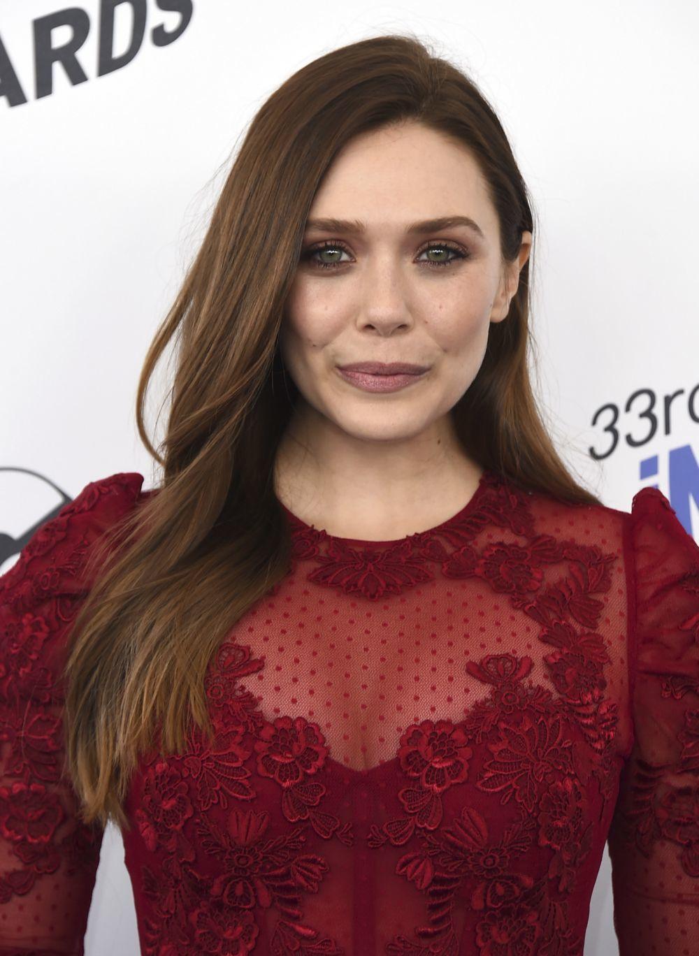 Elizabeth Olsen presumiendo de un castaño avellana que nos encanta.