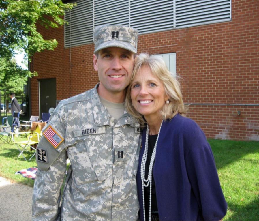 Jill con su hijo Beau.