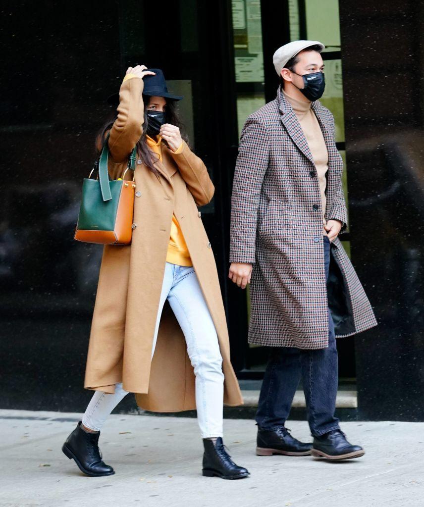Katie Holmes y su novio Emilio Vitolo Jr. por las calles de Nueva...