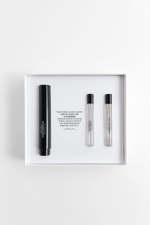 Layering set de Zara con pincel perfumado y dos fragancias para ponerte solas o combinadas.