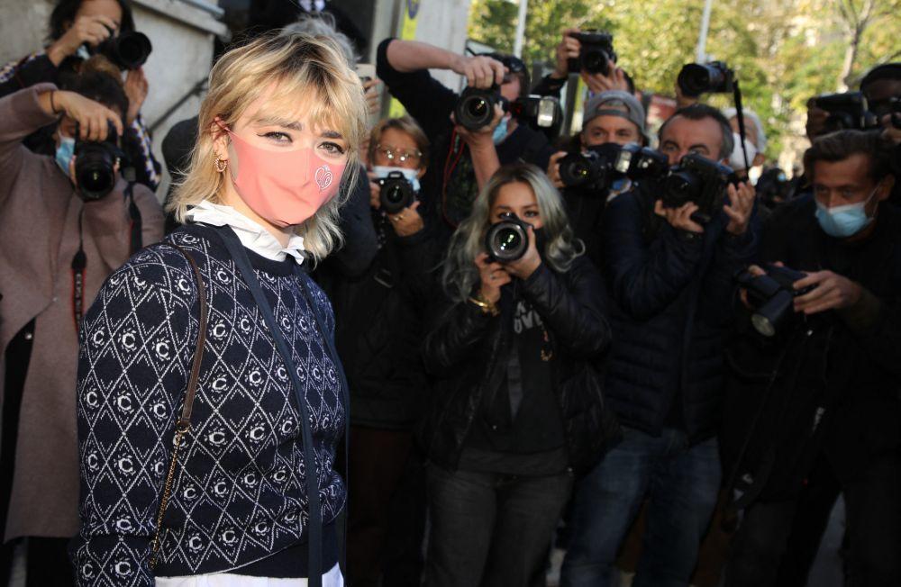 El corte mullet con capas de Maisie Williams.