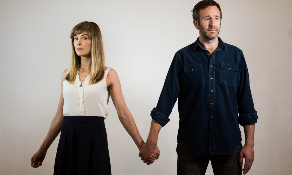 Rosamund Pike y Chris O'Dowd en State of the Union