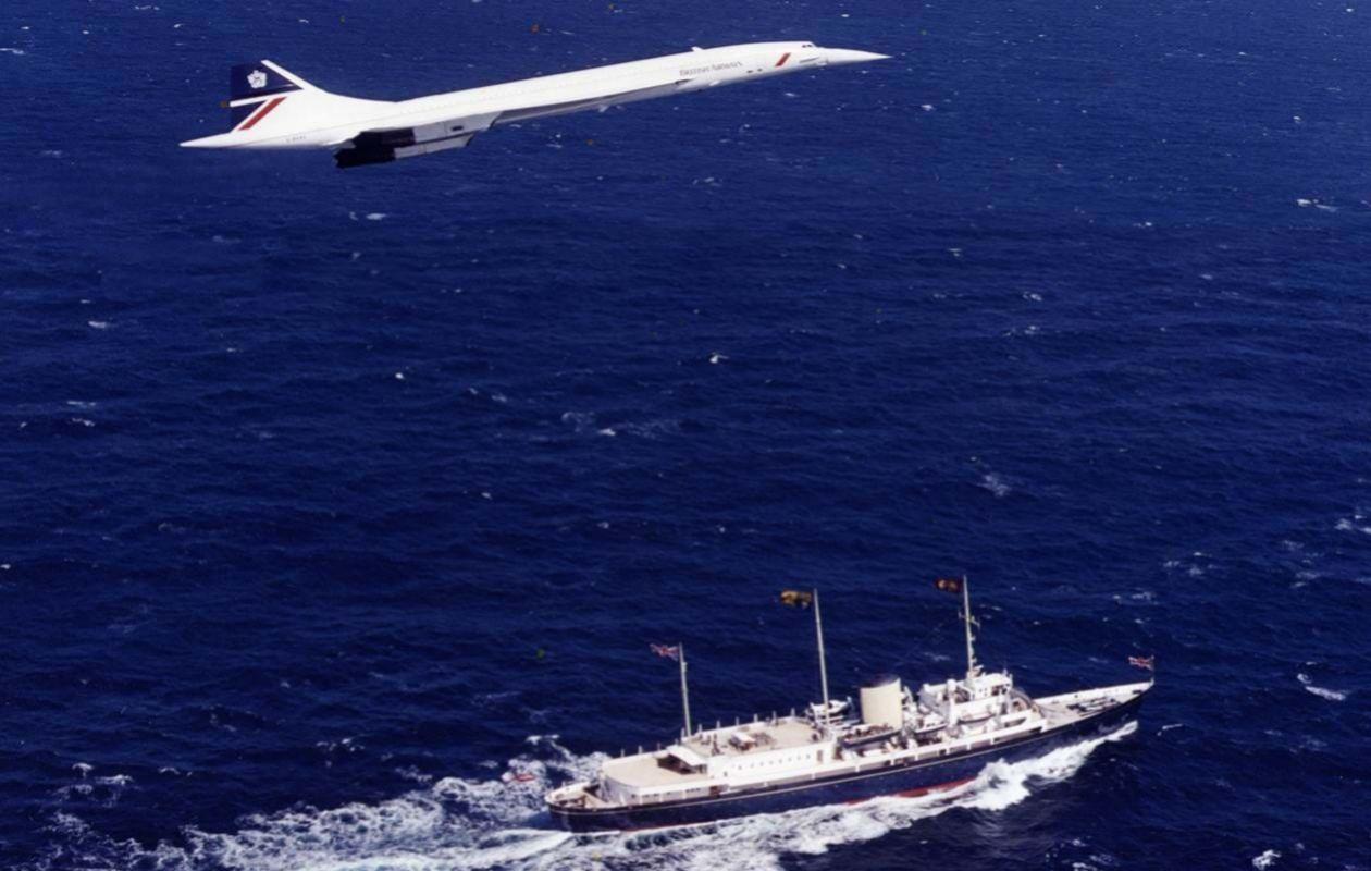 El Concorde volando sobre el Britannia