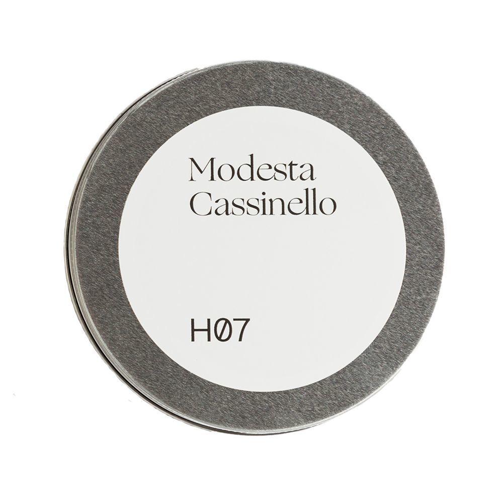Champú con sal marina H07 de Modesta Cassinello (29 euros) para sanear y equilibrar el cuero cabelludo.