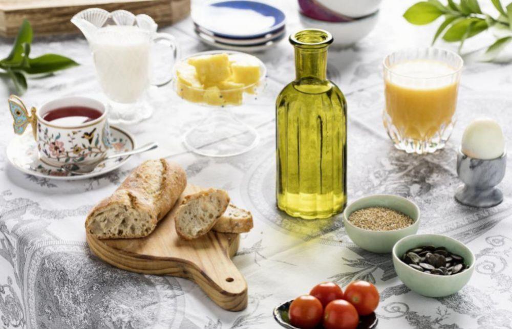 Un desayuno completo no tiene por qué aportar un exceso de calorías.
