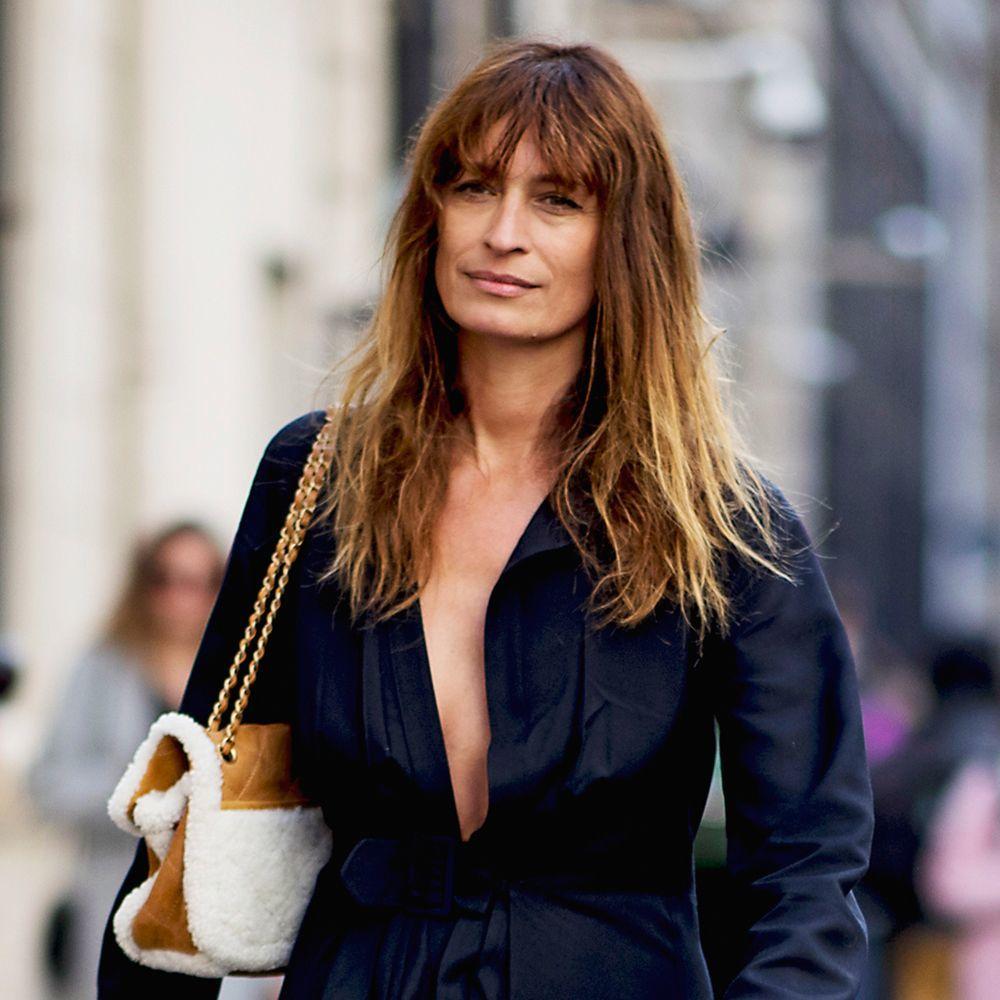 Caroline de Maigret asegura que muchas francesas dejan secar su pelo al aire para tener un gesto y un volumen natural en su melena.