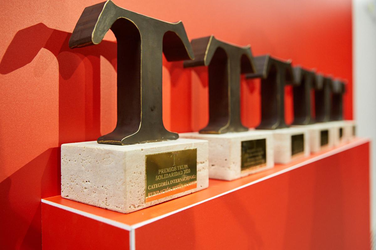 Las T de Solidaridad para los seis proyectos ganadores.