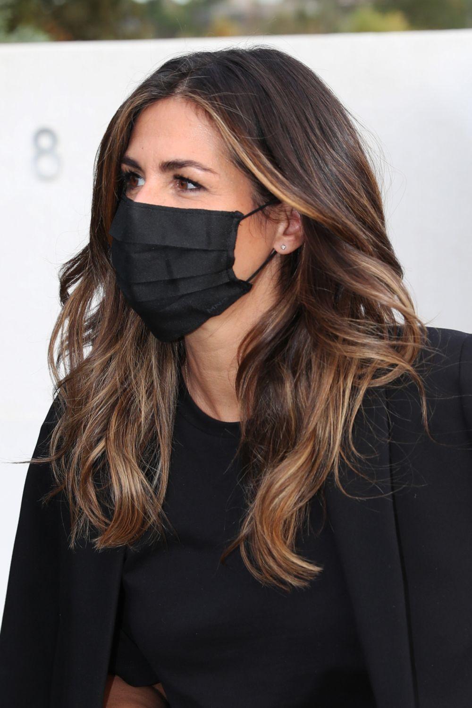 Nuria Roca hace apenas unas semanas con unas mechas balayage con puntos de luz en el contorno de su rostro.