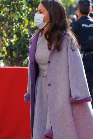 Doña Letizia con look de Carolina Herrera.