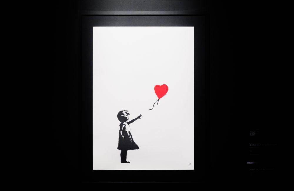 """""""Girl with ballon"""" (""""Niña con globo""""), una de las obras más conocidas de Banksy."""