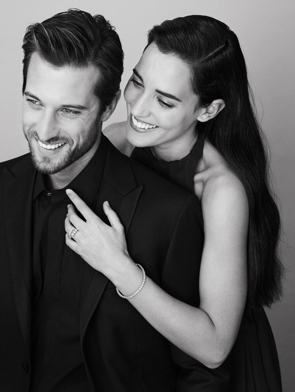 La colección Anniversary Love, pensada para celebrar momentos importantes como un compromiso, recrea el símbolo del amor, el corazón, con sus diamantes.