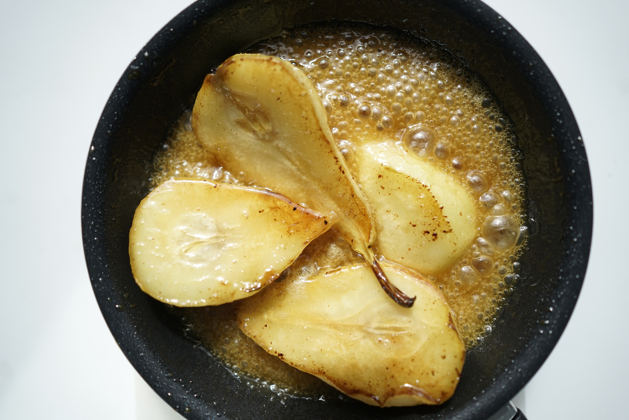 Ensalada de peras caramelizadas