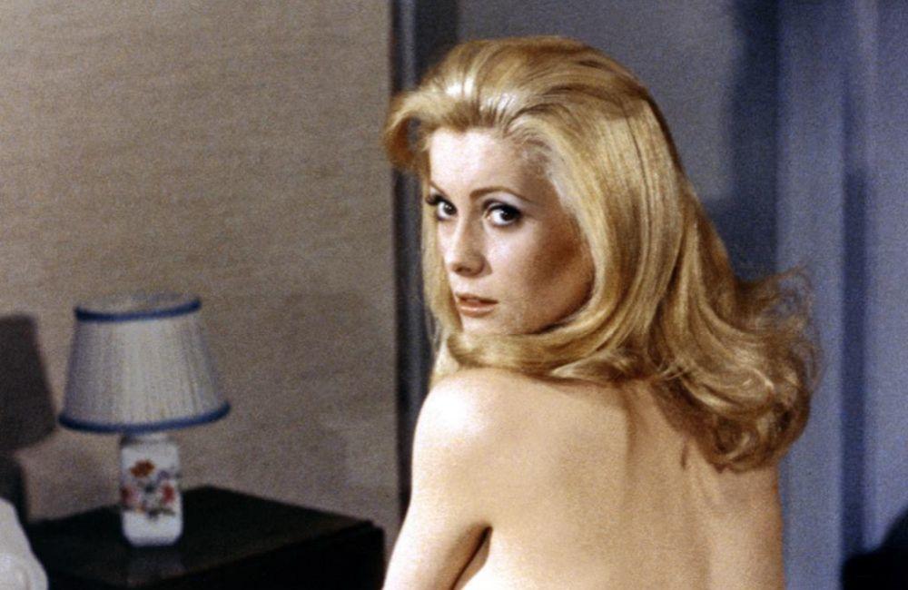 Catherine Deneuve en Belle de Jour, fue la inspiración del perfume Iris Poudre, de Frédéric Malle.