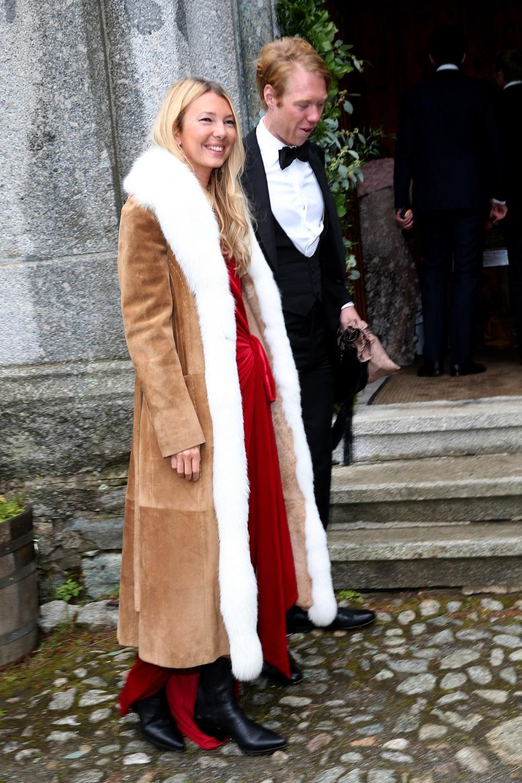 Roberta Benteler y su novio John Glass en la boda del príncipe...