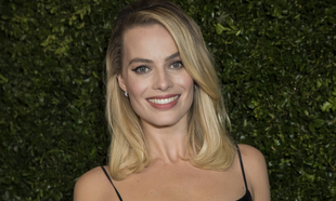 Margot Robbie es una de las celebrities que apuestan por el rubio...