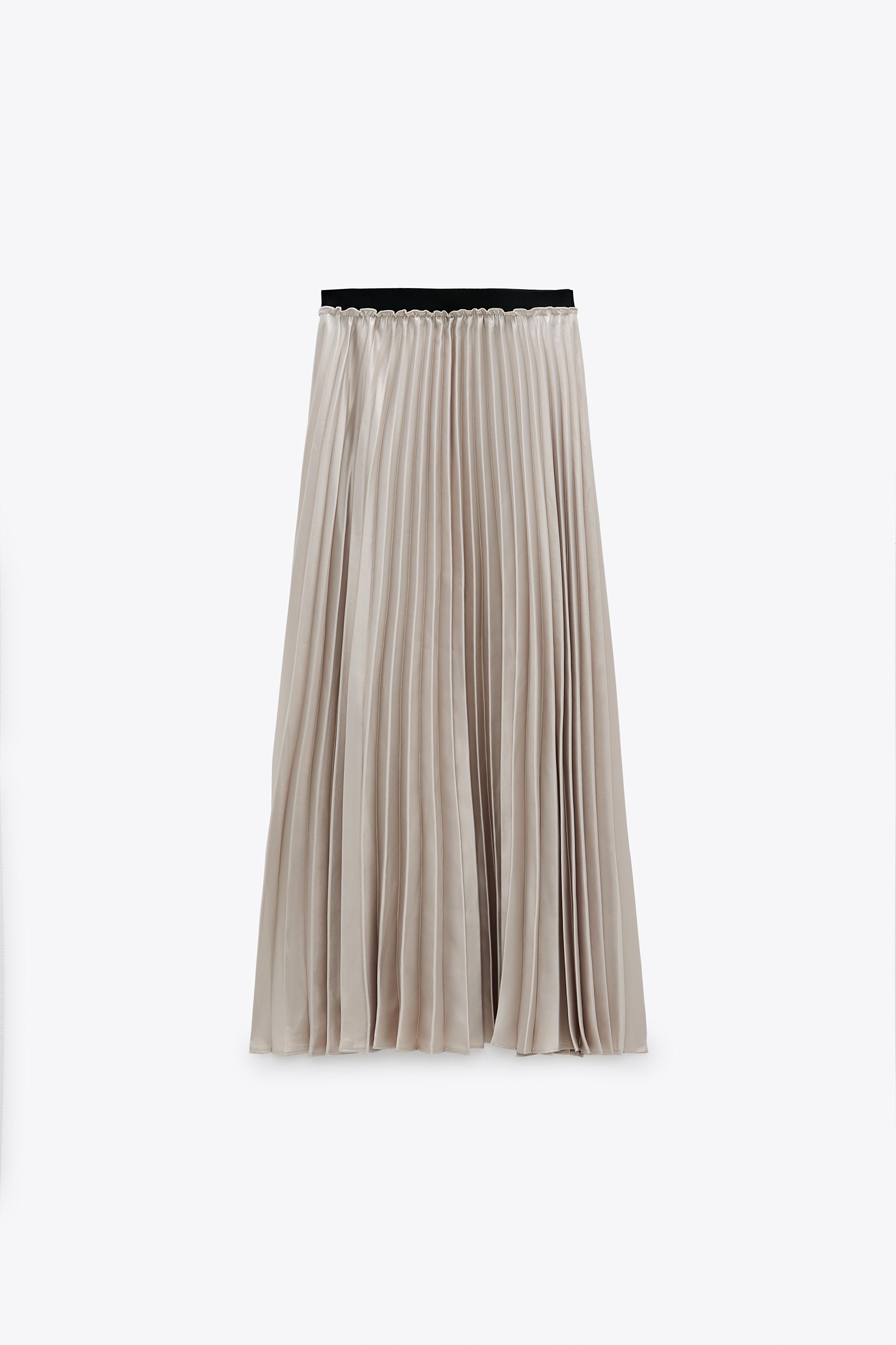 Falda metalizada de Zara (39,95 euros).