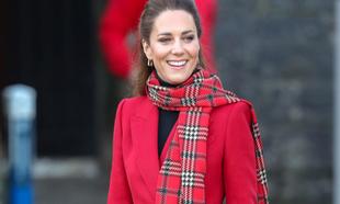No dudes, una bufanda grande y calentita es el mejor regalo para estas...