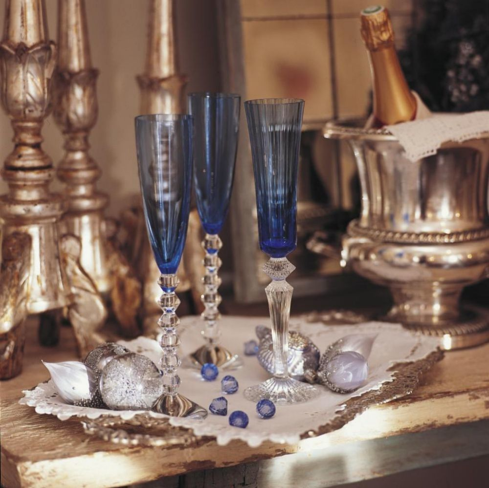 Consume el alcohol con moderación, hay muchas otras bebidas saludables con las que brindar.