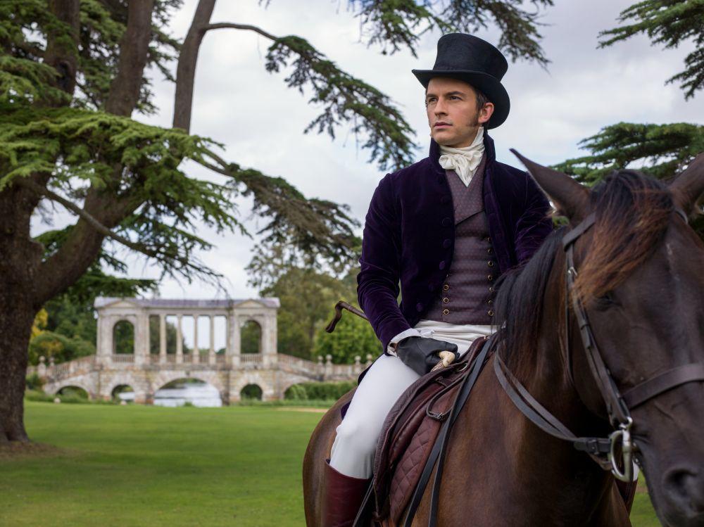 Jonathan Bailey interpreta a Anthony Bridgerton, el mayor de los ocho hermanos.
