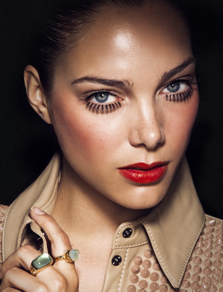 Para conseguir un efecto de piel jugosa lo más importante es equilibrar al máximo la piel.