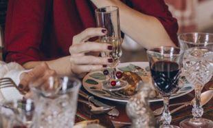 Los mejores vinos por menos de 15 euros para sorprender en Navidad
