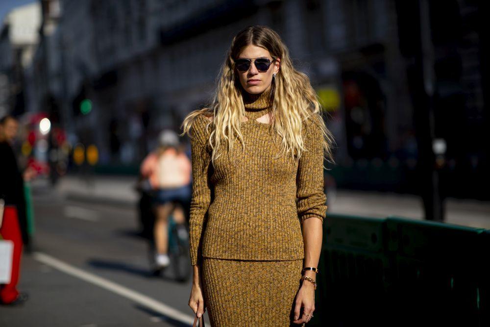 Veronica Heilbrunner inspira con su pelo rubio con efecto raíz las...