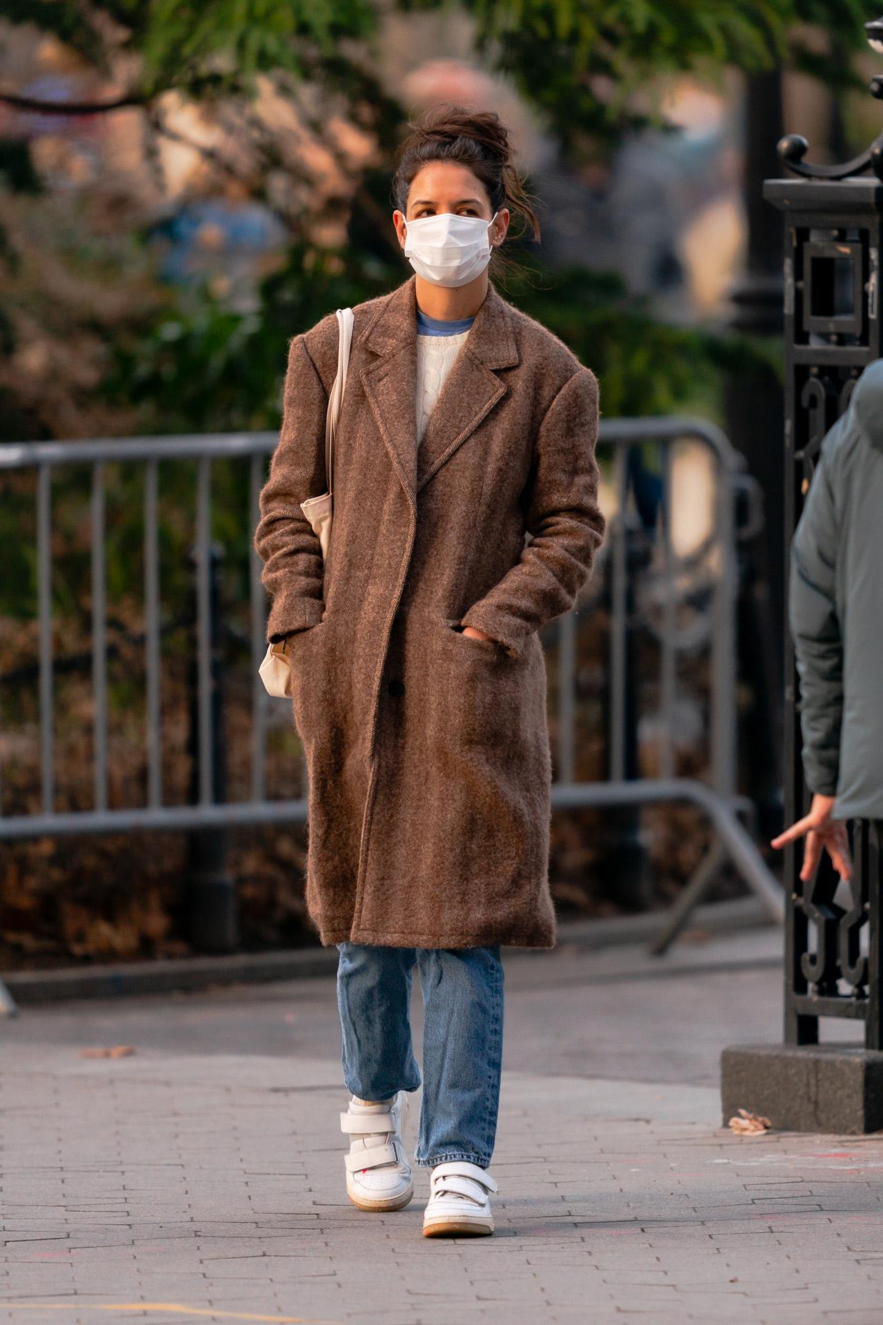 Katie Holmes por la calles de Nueva York el 2 de enero de 2021.